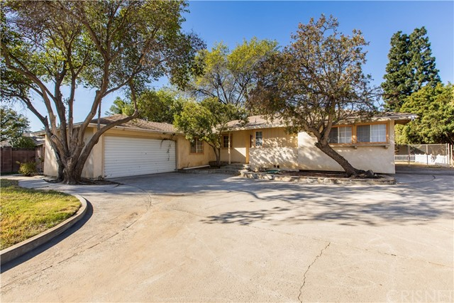 8835 Paso Robles Avenue, Sherwood Forest, CA 91325