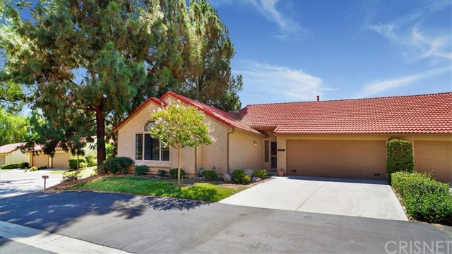 19977 Avenue Of The Oaks, Newhall, CA 91321