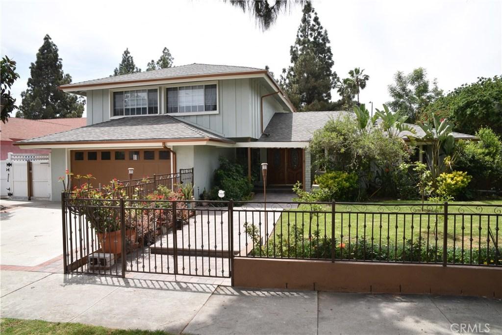 Photo of 19072 LOS ALIMOS Street, Northridge, CA 91326