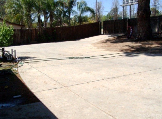 10720 Foothill Bl, Lakeview Terrace, CA 91342 Photo 2