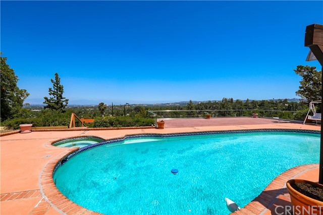 Photo of 5966 Ellenview Avenue, Woodland Hills, CA 91367