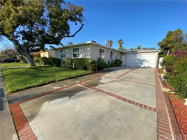 8634 Wakefield Avenue, Panorama City, CA 91402