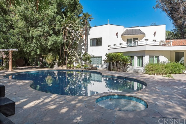 Photo of 19237 Charles Street, Tarzana, CA 91356