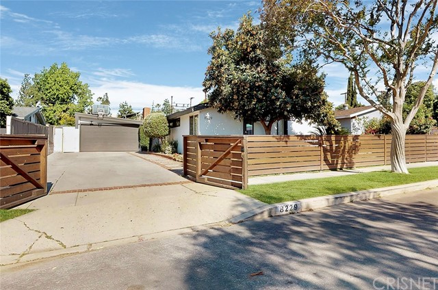 8229 Wynne Avenue, Reseda, CA 91335