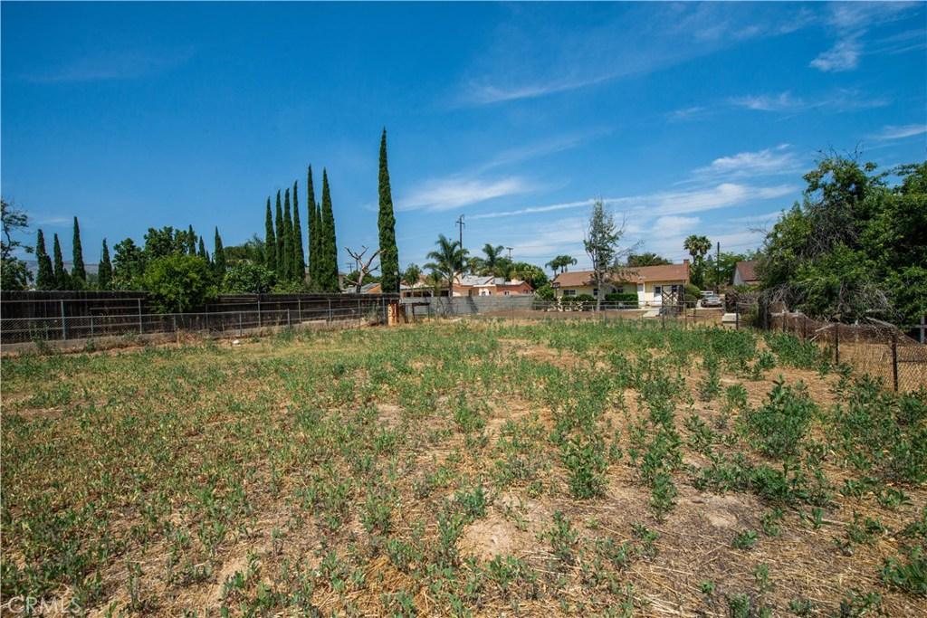 Photo of 10443 DE SOTO AVENUE, Chatsworth, CA 91311