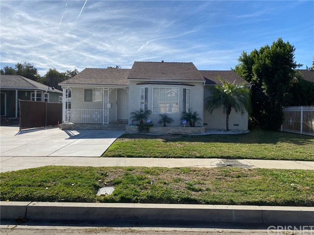 17604 Haynes Street, Lake Balboa, CA 91406