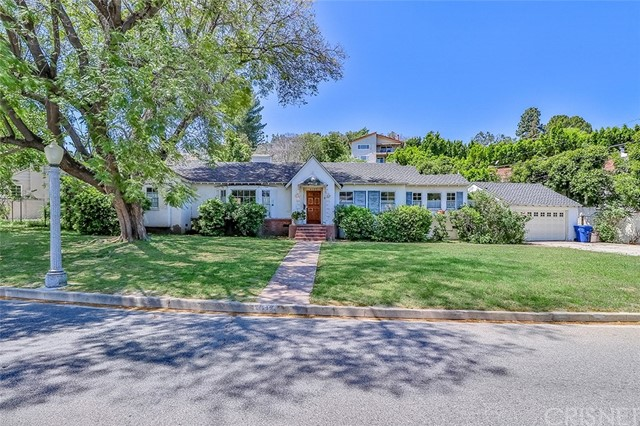 4103 Beverly Glen Boulevard, Sherman Oaks, CA 91423