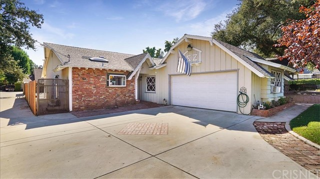 24520 Apple Street, Newhall, CA 91321