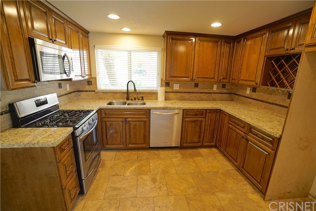 4. 15257 Carla Court Canyon Country, CA 91387