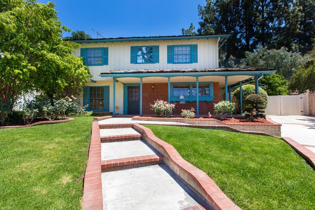 9548 Valjean Avenue, Northridge, CA 91343