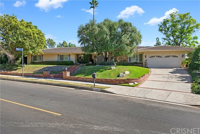 Photo of 11858 Louise Avenue, Granada Hills, CA 91344