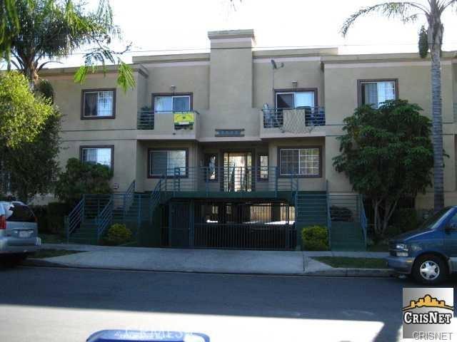 7330 Eton Avenue 202, Canoga Park, CA 91303