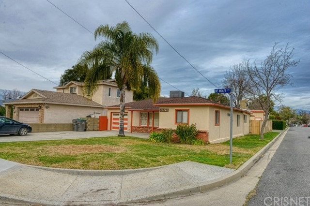25202 De Wolfe Road, Newhall, CA 91321
