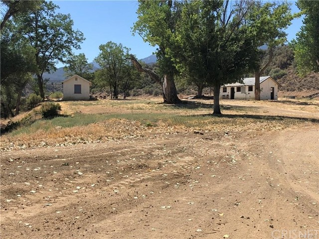 1986 Lockwood Valley Road, Maricopa, CA 93252