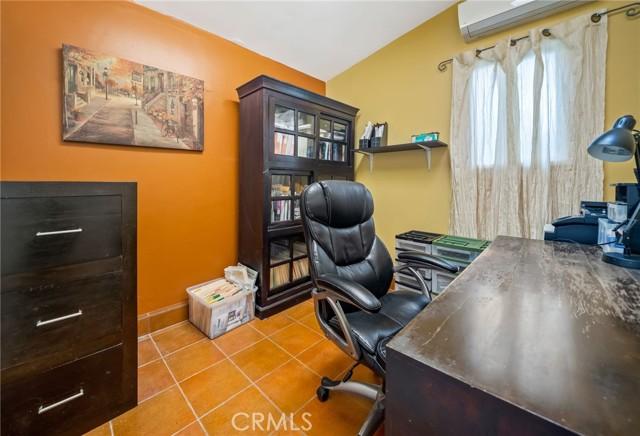 45. 5511 Fenwood Avenue Woodland Hills, CA 91367