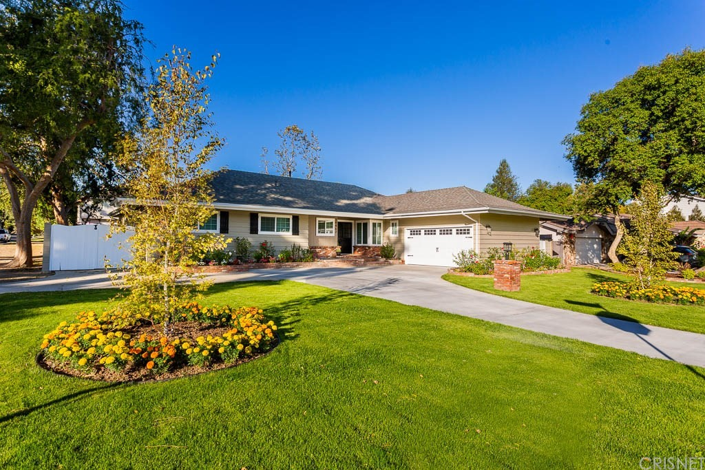 Photo of 19467 MERRIDY Street, Northridge, CA 91324