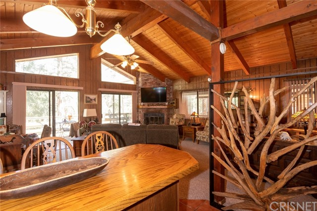 1425 Zion Way, Pine Mtn Club, CA 93222