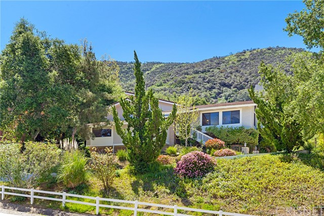 5 Roundup Road, Bell Canyon, CA 91307