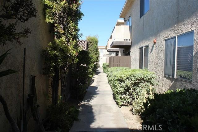 31732 Ridge Route Rd, Castaic, CA 91384 Photo 2