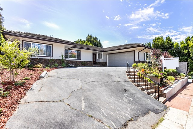 Photo of 438 N Robinwood Drive, Brentwood, CA 90049