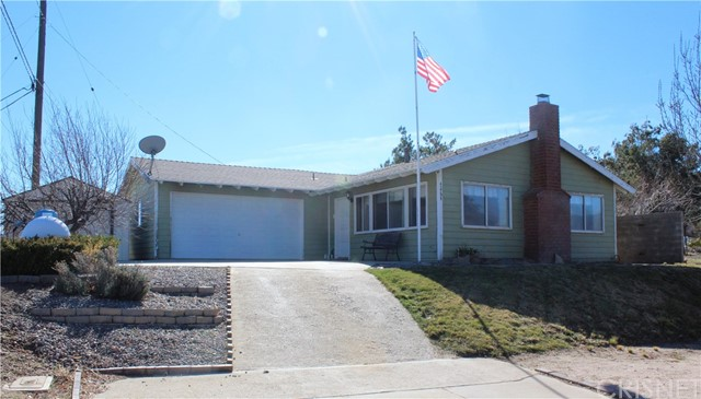 42794 Bluehills Drive, Lake Hughes, CA 93532