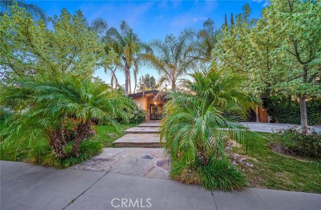 55. 5511 Fenwood Avenue Woodland Hills, CA 91367