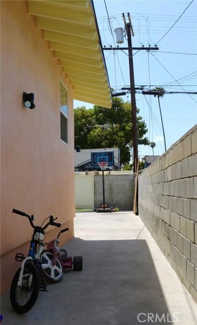 22. 3529 6th Avenue Los Angeles, CA 90018