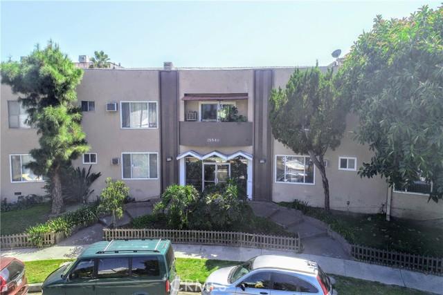 Photo of 15540 Moorpark Street #5, Encino, CA 91436