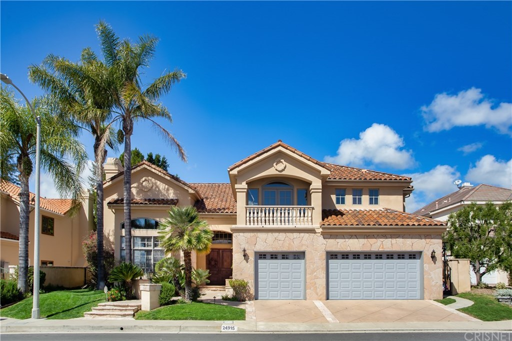 Photo of 24915 VISTA VERENDA, Woodland Hills, CA 91367
