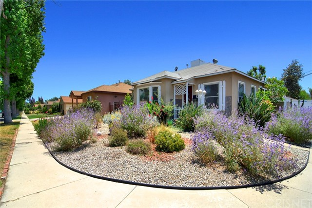 17650 Kittridge Street, Lake Balboa, CA 91406