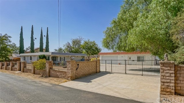 13167 Reservoir Avenue, Agua Dulce, CA 91390