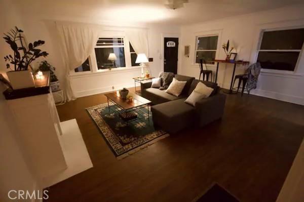 1730 Living room