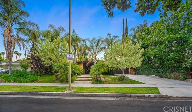 48. 5511 Fenwood Avenue Woodland Hills, CA 91367