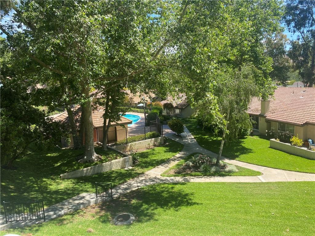 21. 66 Mockingbird Court Oak Park, CA 91377