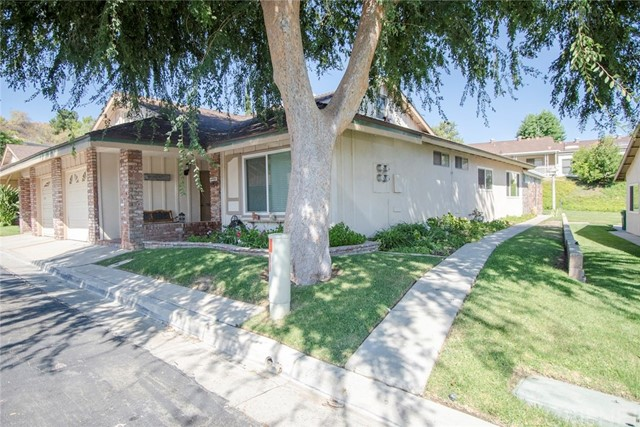 26707 Oak Branch Circle, Newhall, CA 91321
