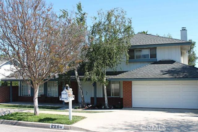 228 Avenida De Las Flores, Thousand Oaks, California 91360, 4 Bedrooms Bedrooms, ,3 BathroomsBathrooms,For Sale,Avenida De Las Flores,SR15132886
