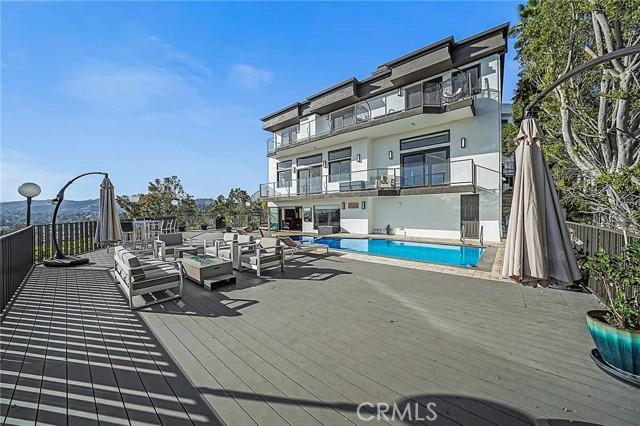 39. 5667 Tryon Road Los Angeles, CA 90068