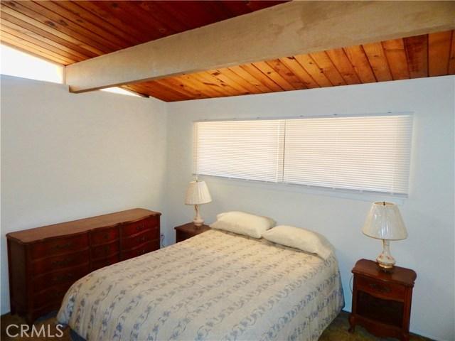 10027 Saloma Av, Mission Hills (San Fernando), CA 91345 Photo 9