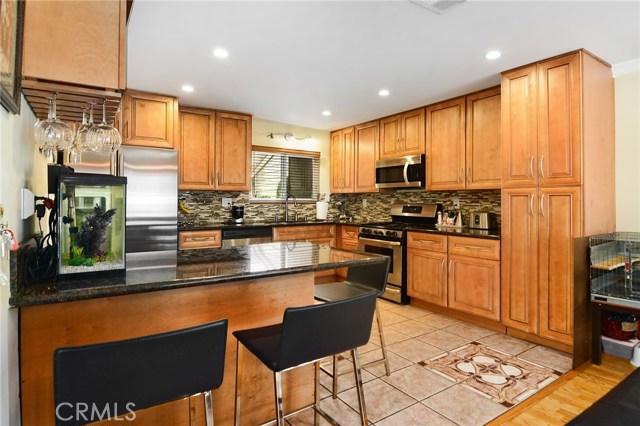 18319 Collins Street 8, Tarzana, CA 91356