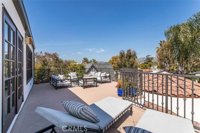 26. 6402 Lindenhurst Avenue Los Angeles, CA 90048