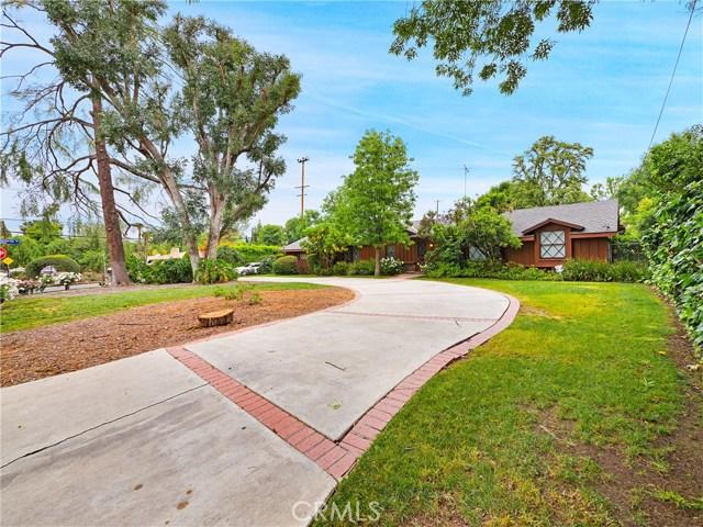 5742 Penfield Avenue, Woodland Hills, CA 91367