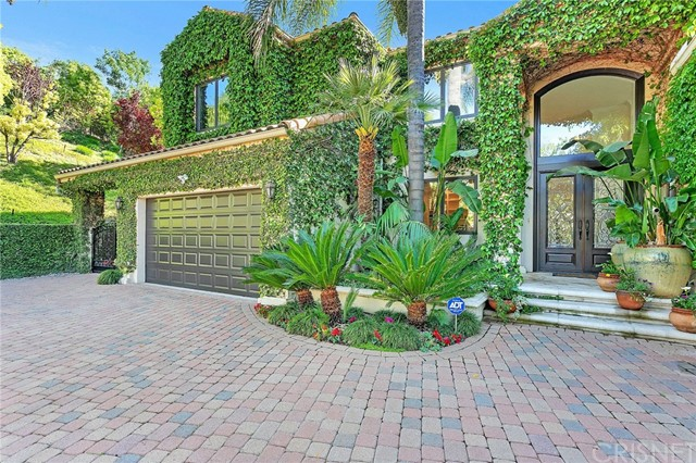 4730 Azucena Road, Woodland Hills, CA 91364