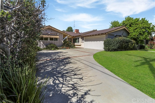 4835 Dempsey Avenue, Encino, CA 91436