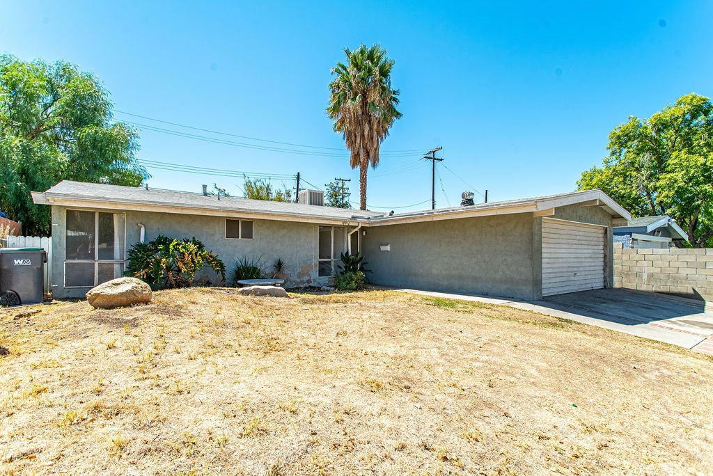 18916     Nearbrook Street, Canyon Country CA 91351