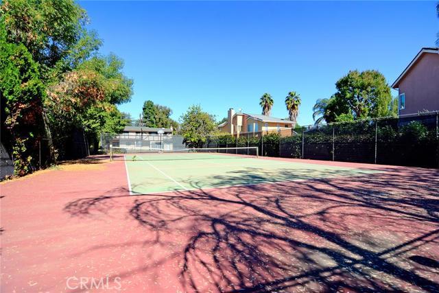 Photo of 18122 Erwin Street, Tarzana, CA 91335
