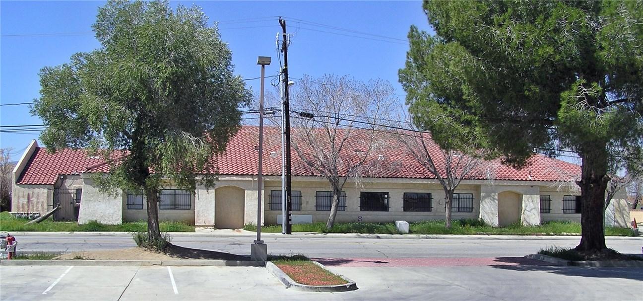 38655 9th Street E, Palmdale, CA 93550