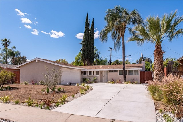 9347 Valjean Avenue, North Hills, CA 91343