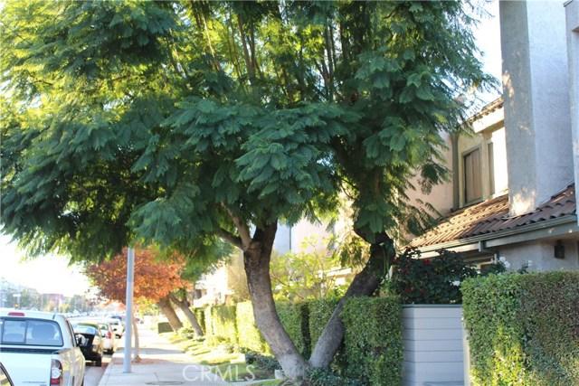 9111 Lemona Avenue 13, North Hills, CA 91343