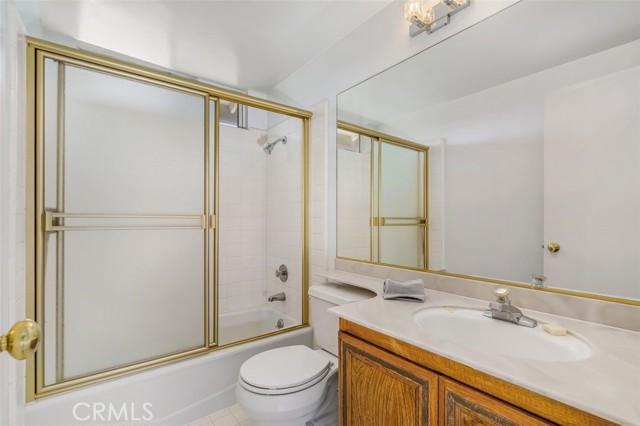 Hall bathroom upstairs.