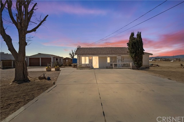 2973 95th St, Rosamond, CA 93560 Photo